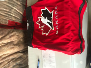 Signed Mark Messier Canada Jersey