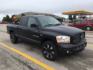 2006 DODGE RAM 1500  4 WHEEL LARAMIE ONLY 119,000 KM'S QUAD CAB