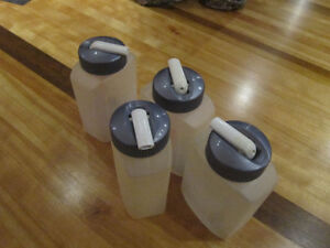 Rubbermaid Drink boxes x 4