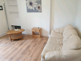 GROUND FLOOR FLAT, FRESHLY DECORATED , CLOSER TO TOWN C