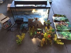 Large fish tank  Windsor Region Ontario image 1