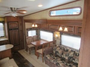 2010 Jayco Eagle 313 RKS 5TH Wheel Travel Trailer **CLEAN UNIT** London Ontario image 8