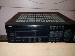 Yamaha Amp rx-v592