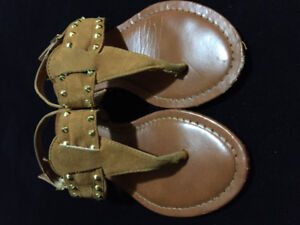 Thong SANDLES , size 5, buckle