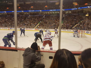 VANCOUVER CANUCKS V VEGAS GOLDEN KNIGHTS +LOWER BOWL ROW 3 AISLE