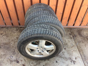 215/65/16 Winter tires on alloy whels from Dodge Crand Caravan