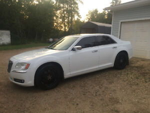 2011 Chrysler 300 limited MUST SELL