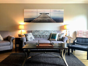 2BDR Reno'd Unit w/ Balcony at Lighthouse Point, Steps to Beach