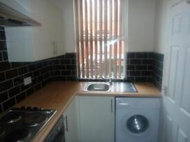 2 bedroom house in Marley Terrace, Beeston, LS11