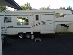 2002  5 the wheel , Slide out   ,high end unit,