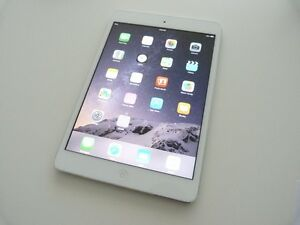 Apple iPad Mini (1st) 64GB, Wi-Fi - White/Silver + CASE