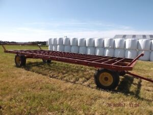 Round Bale Wagon FOR SALE