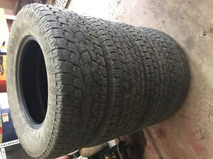 255/70r17 toyo open country at2