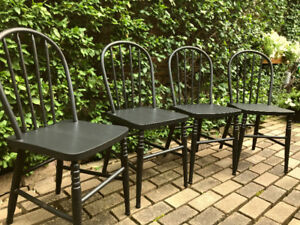 SET OF  ANTIQUE SOLID OAK ENGLISH WINDSOR BACKED CHAIRS