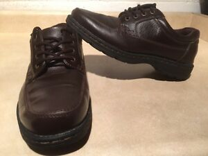 Men's Hunters Bay Leather Shoes Size 10 London Ontario image 2