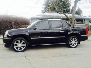 2008 Cadillac Escalade EXT Fully Loaded REDUCED