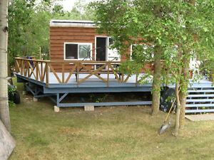Lakefront Lot with Cottage - South Beach, Gimli
