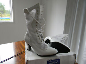 Womens Western Style White Leather with lace Wedding Boots