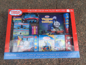 Thomas & Friends Deluxe Read & Play gift Set - New IN BOX