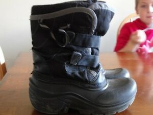 boys winter boots size 2