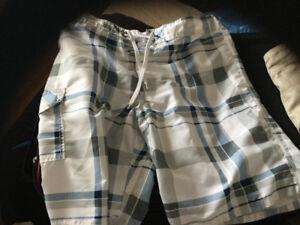 ASSORTED MENS CLOTHING BUNDLE  $30