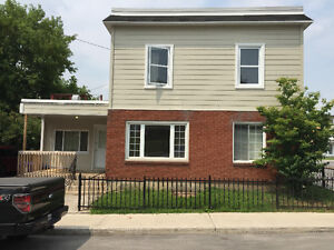 Appart 2 room for rent Old Hull. All included intern cable  elec