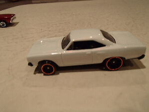 Hot Wheels 1970 Plymouth Road Runner Loose 1:64 scale diecast 3 Sarnia Sarnia Area image 5