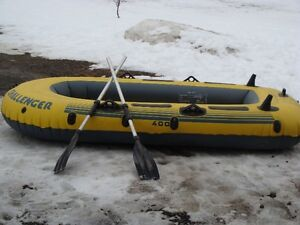 Challenger 400, inflated boat/2 oars