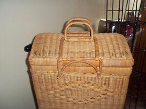 Picnic / storage wicker basket