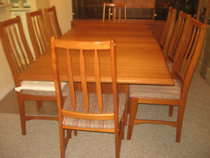 BEAUTIFUL TEAK DINING ROOM SET.  TABLE  CAN SIT 10 PEOPLE.