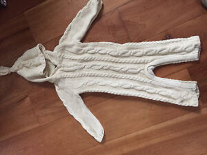 New! Baby Gap cable knit hooded outfit size 12-18 mths