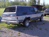 SOLD>>Suburban for scrap $50 wanted (incl SM465 4-spd)<< SOLD