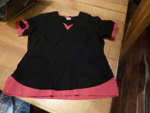 Woman's Scrub Top Size Medium Black and Pink