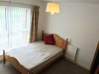 Large double bedroom in 3 bed house, all bills inc, riverfront