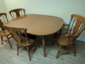 Canadian Made  Vilas Maple Dining Table and Chairs