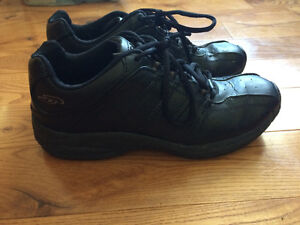 women's black leather work/athletic shoe
