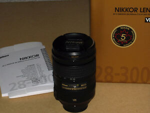 Nikon AF-S 28-300mm f/3.5-5.6G ED VR lens