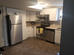 Nice newly renovated bachelor aprt. $950 all incl. avail. Sept 1