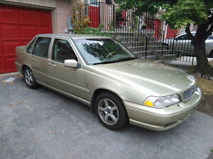 Selling Well-Kept 1999 Volvo S70 Sedan, Priced to Sell Quick