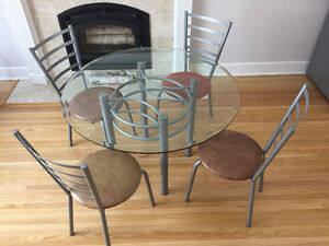 Modern Buy Or Sell Dining Table Amp Sets In Winnipeg