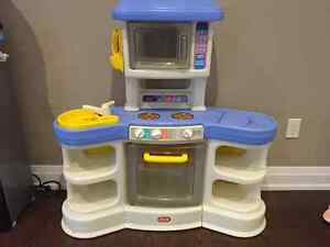 Little Tikes Toy Kitchen with accessories
