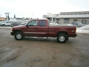 2004 GMC Sierra Z71 4 DOOR 4X4 SAFTIED Pickup
