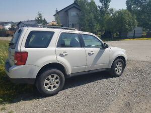 2011 Mazda Tribute GX SUV *LOW KM - PRICE TO SELL*