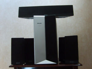 A set of 6 PHILIPS speakers