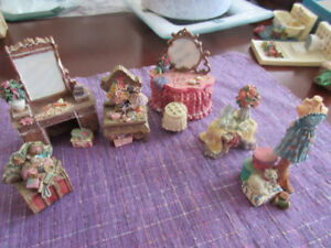 Exquisite set of miniatures for doll house - Ladies bedroom