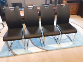 🤩🤩🤩Set of 4 Brand New Black Leather Chairs 🤩🤩🤩