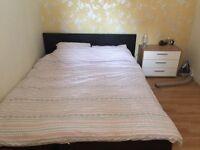 Large bedroom in Holborn flatshare.
