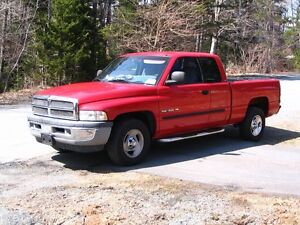 2001 Dodge  Laramie SLT Pickup Truck