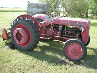 FORD 8N Tractor-gas