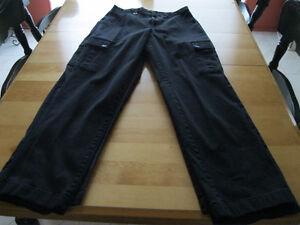 Uniforme Maison Paciente 3 Pantalons noirsCargo  grandeur 30